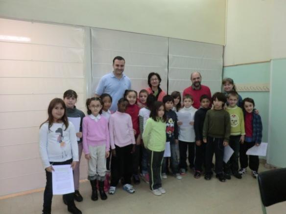 Los chicos y chicas de 3º que han participado en el programa especial de Encuentro con el Autor Fernando Lalalana