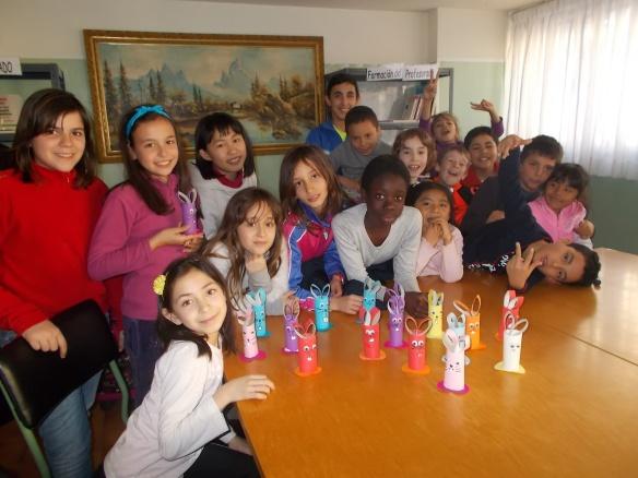 Nuestras Consejeras y consejeros con sus conejos de Pascual